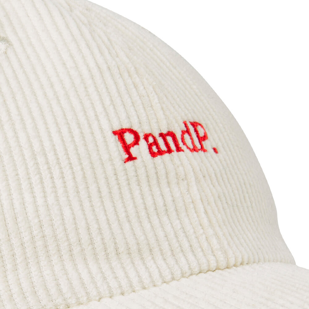 6 Panels Cap P&P offwhite Embroidery Detail